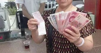 她44年前1200元存银行,如今只有2684元!还是把钱存保险最靠谱,10月1日以前这些保险产品,全国疯抢中…